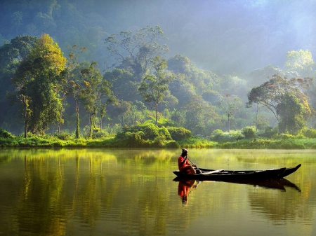 boat-lake-indonesia
